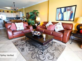 Luxurious Gulf Front Condo Beach Services Free Lounge chairs umbrella, Panama City Beach