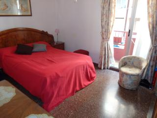 Summer flat WiFi Blasco Ibañez area, Valencia
