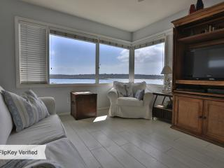 Ocean views, 1/1 condo in Mission Beach San Diego