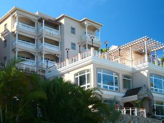 Spectacular View - Grande Bay 1 Bedroom Penthouse