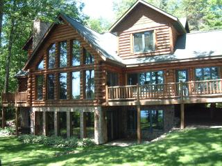 High End Northwoods Log Home 5 Bedrooms Round Lake