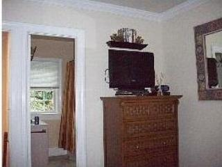 AUGUST SPECIAL: $89 ..LOCATION, CONVENIENCE & CHARM (OLD TOWN ALEXANDRIA, VA)