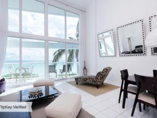 Ocean View BeachFront Loft3, Miami Beach