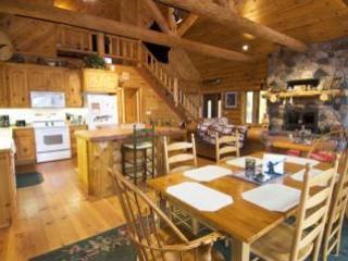 Log Home On Lake Chippewa 3 bed 2 bath Eaglesnest