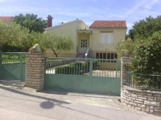 House in Pridraga, Gornji Karin