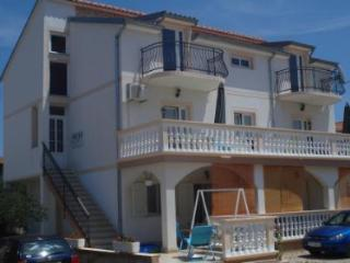 Apartment Tamara 4, 500m from, Vodice