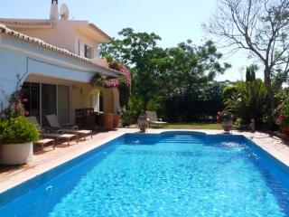 3 bedroom Villa in Quinta do Lago, Faro, Portugal : ref 5455865