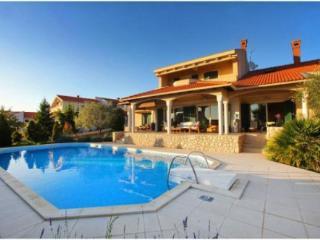 Villa Kiara with swimming pool, Kozino