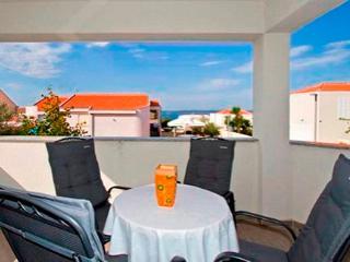 Apartments Drazen 2, beach are, Petrcane