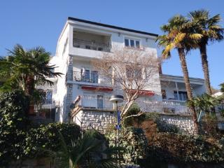 Apartment Mia, beach 100 m, Icici