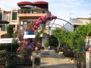 Apartments Maria Vul, beach 50, Vodice