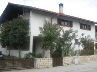 Apartment Tina, Vrsi