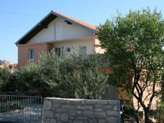 Apartments Fant 2 Tisno, Tijesno