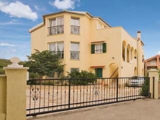 Apartment Miaa, for 3 person,, Tribunj