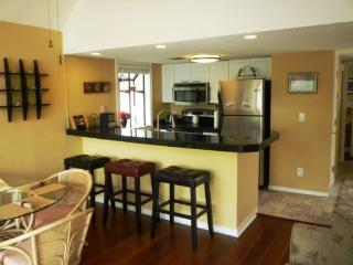 Beautiful Vacation Condo- Wood Floors, Paddle Fans, High End Appliances..10340, Myrtle Beach