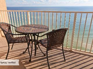 Beautiful 10th Floor Ocean Front condo sleeps 8 Tidewater, beach service incl.