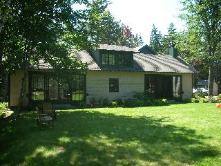 Beautiful new house + classic cottage Seal Harbor
