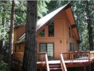 Dean Way Chalet - a spacious retreat in Arnold, CA