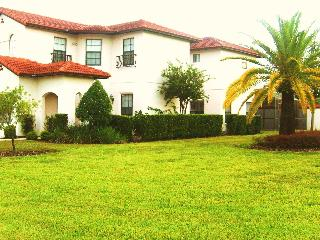 Treefield Villa - a magnificent place to stay!, Clermont