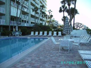 Breathtaking High Rise View on the Water. Updated!, Indian Shores