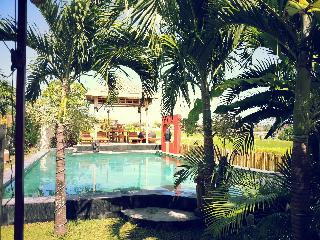 VILLA+owner.host, 5-16 pax all comfort, open ricefields Umalas Bumbak, 8' beach