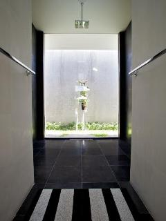Adjoining shower alcove