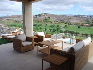 Villa de lujo con piscina - Piedra Amarilla