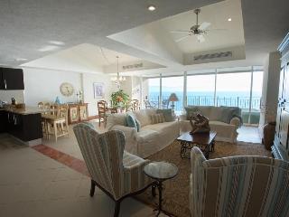 Puerto Vallarta 2.5 Bd Oceanfront Luxury Condo