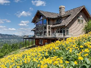 Spectacular Rental Lodge Near Leavenworth