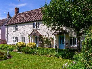 ROSE COTTAGE, detached property, with four bedrooms, snug, enclosed gardens