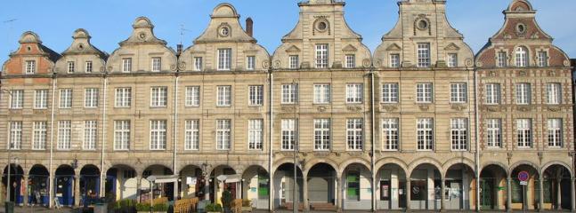 Arras Place (2mn walk)