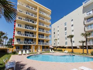 DP 201: 2BR condo RIGHT ON THE BEACH! Nicely furnished, amazing views, WIFI, Fort Walton Beach