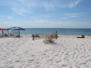 W. Corner Beachfront Condo, Open Views~Bender Vacation Rentals