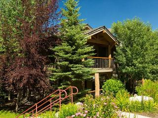 Spacious retreat located on Snow King Mountain~Jackson Hole at it's Best!