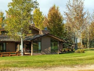 Golf Creek condo close Proxity to Grand Teton National Park!