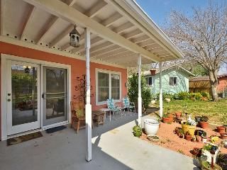 3BR/2BA Huge Discounts! Perfect Home in Brentwood, Just North of Downtown!