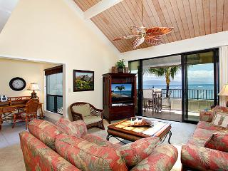 Unit 22 Ocean Front Prime Luxury 2 Bedroom Condo, Lahaina