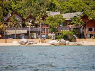 Baan Hinyai, 5BR Modern Beach House on Lamai, Wedding, Family, Big Group, Lamai Beach