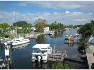 Beautiful Waterfront Property with Boat Lift. Minutes to The Gulf. Great Unit