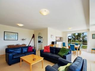 Albacore, Unit 6, 12 Ondine Close, Nelson Bay