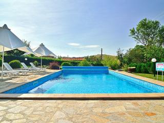 Royal Villa*Private Pool* Sunny Beach Area