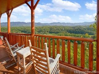 Enjoy Mountain Views from your Luxury 1 Bedroom Cabin, Sevierville