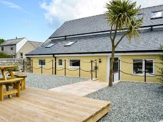 BRYN GOLEU, detached, upside down accommodation, off road parking, enclosed patios, in Moelfre Ref 904140