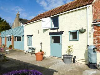 WILLOW COTTAGE, fantastic touring base, character cottage near Great Yarmouth, Ref. 905167, Belton