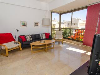 Elkalai 3 - Basel Square Apartment - 2 Bed, Tel Aviv