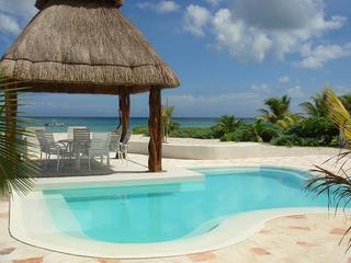 Beachfront Lux House in Uaymitun, Progreso w/ pool