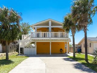 4BR/4BA Big Spacious Beach House-2 Blocks to the Beach! Winter Texans Welcome, Port Aransas