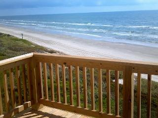 3BR/3BA Newly Remodeled Beach House with Direct Ocean Views!, Port Aransas