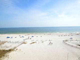 Colorful West Corner Beachfront Condo~Bender Vacation Rentals