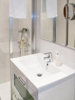 Bathroom 2 (shower)